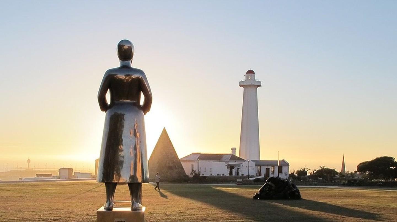 Port Elizabeth Donkin and sculpture | © Suzi-k/Wikimedia Commons