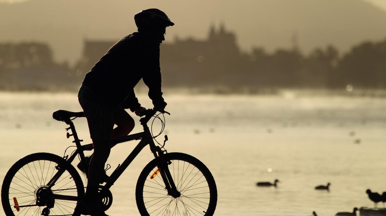 Cyclist | Morning ride | © Ed Dunens/Flickr