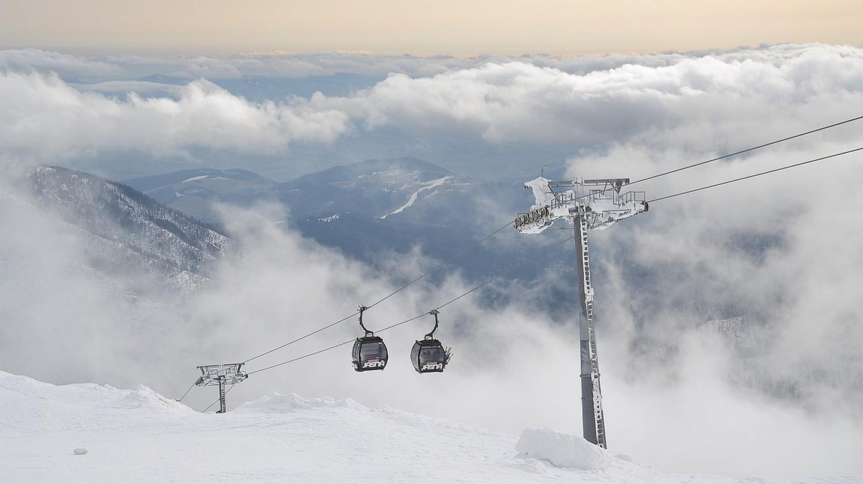 Ski up in the clouds at Jasna Ski Resort in Slovakia | © Pudelek/WikiMediaCommons