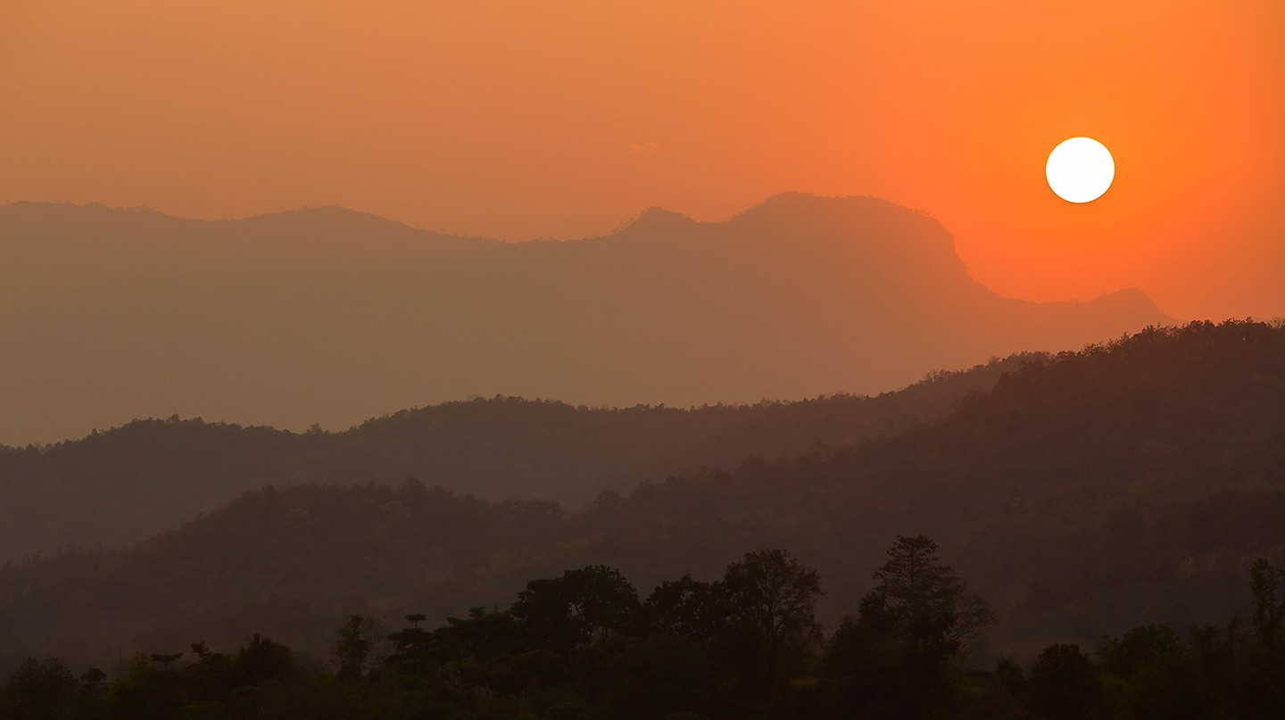 The sun sets on Thailand | © Atibordee Kongprepan/Flickr