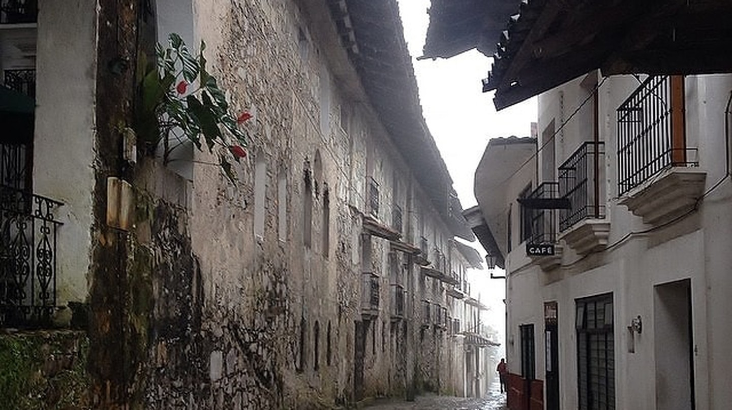 A rainy street in Cuetzalan | © Phi Requiem / Flickr