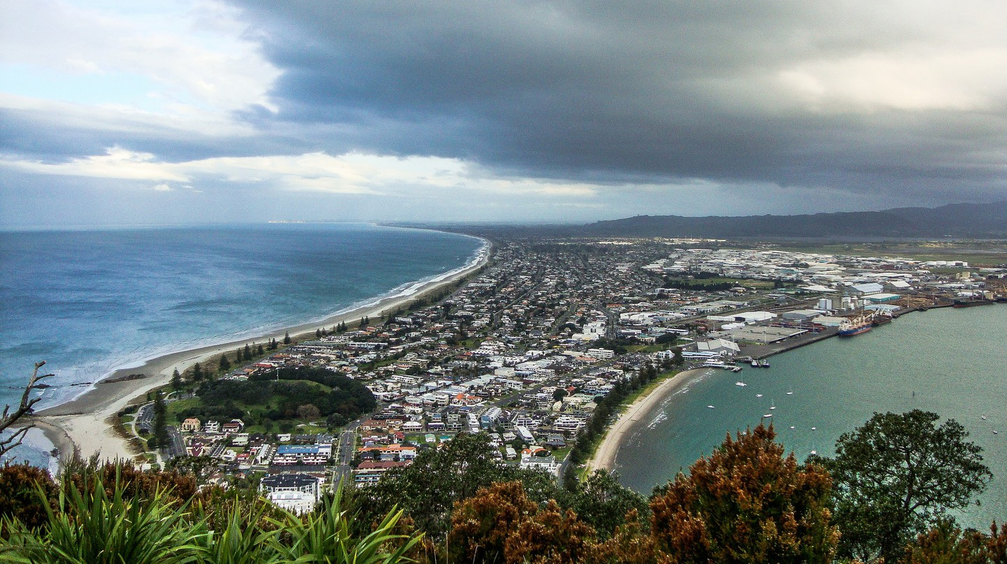 View of the Tauranga Harbour from Mount Maunganui | © Brian Powers/Flickr