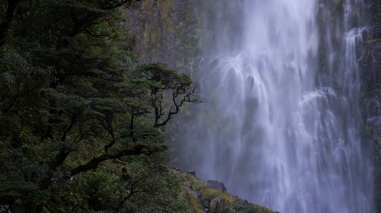 Devil's Punchbowl Falls, New Zealand | © Jose Gallego/Flickr