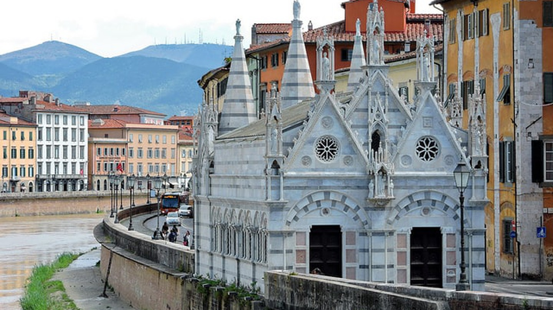 Arno River and Santa Maria della Spina, Pisa|©Dimitris Kamaras/Flickr