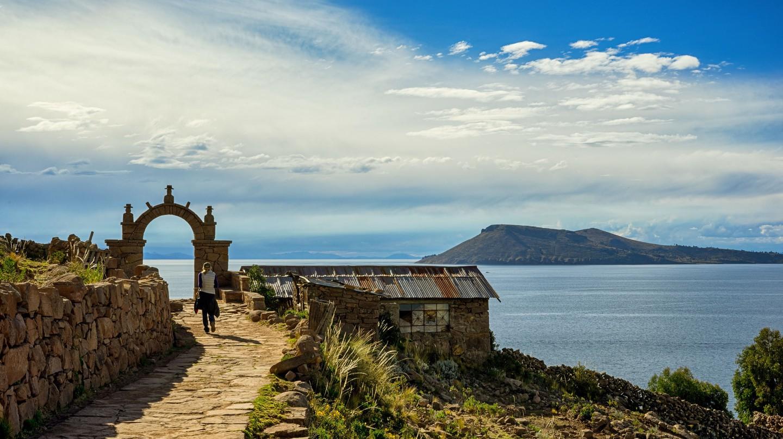 Taquile Island trail   © Tydence Davis / Flickr