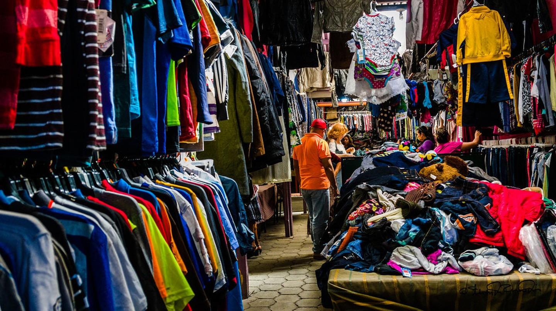 Antigua thrift shop / © SdosRemedios / Flickr