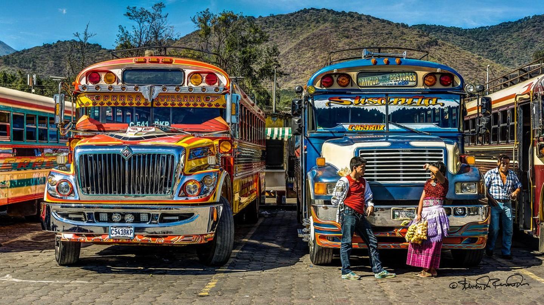 Antigua Guatemala chicken bus | © SdosRemedios / Flickr