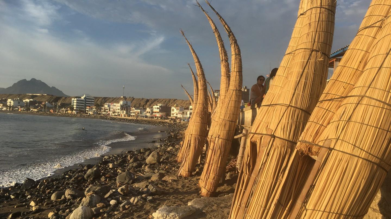 Caballitos de totora in Huanchaco Peru | © fromhomeparacasa / Flickr