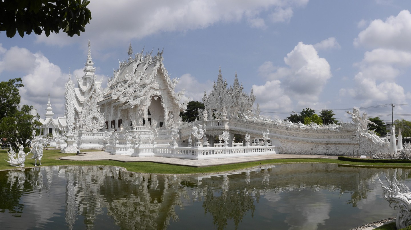 White Temple | © Edgardo W. Olivera/Flickr