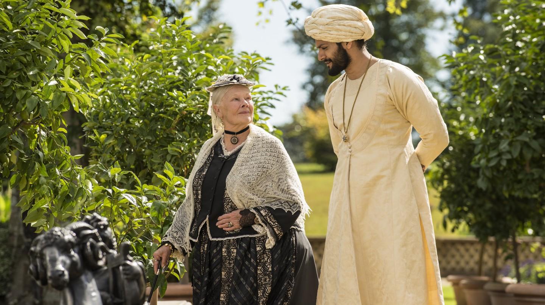 Dame Judi Dench and Ali Fazal in 'Victoria & Abdul' | © Universal Pictures