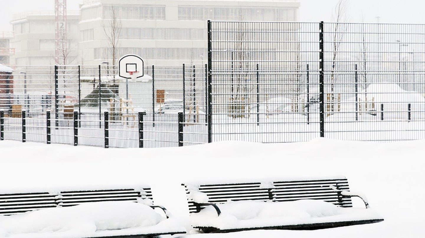 Frozen basketball court / Photopin
