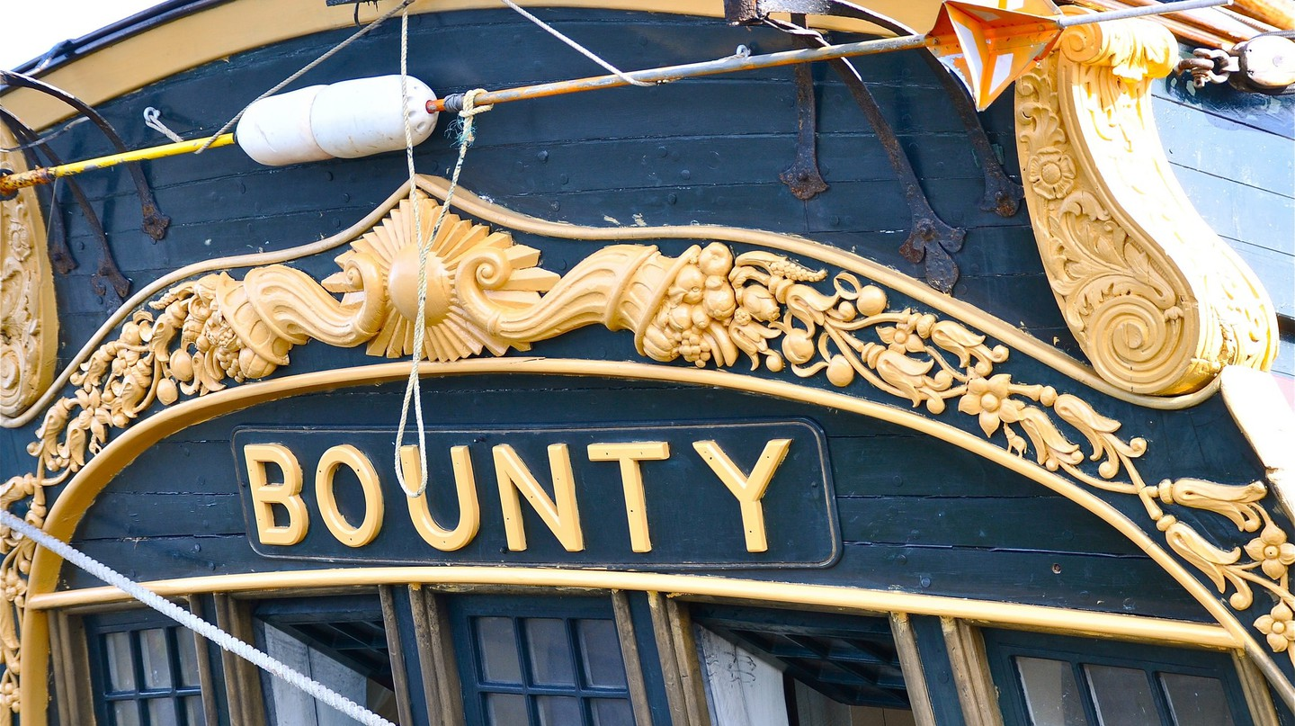 A recreation of the famous HMS Bounty | © Kevin Burkett / Flickr