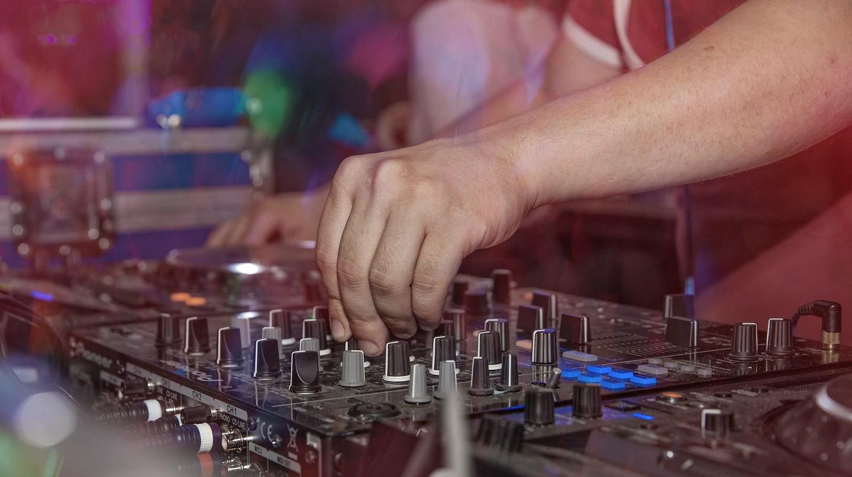 DJ | © Pexels/Pixabay