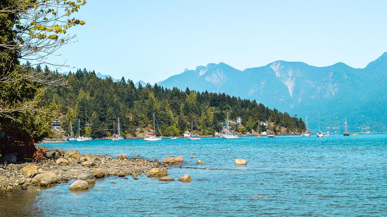 Beautiful views on Bowen Island | © Hayley Simpson