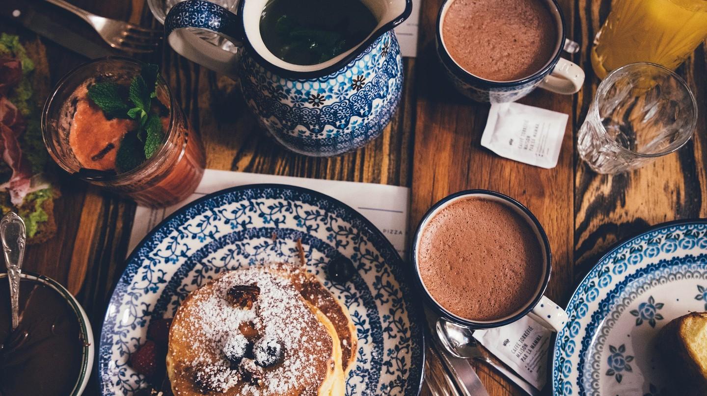 Pancakes and hot chocolate | © StockSnap / Pixabay