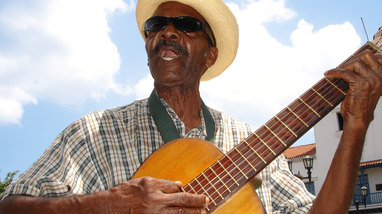Get into the groove in Santiago de Cuba © dassel