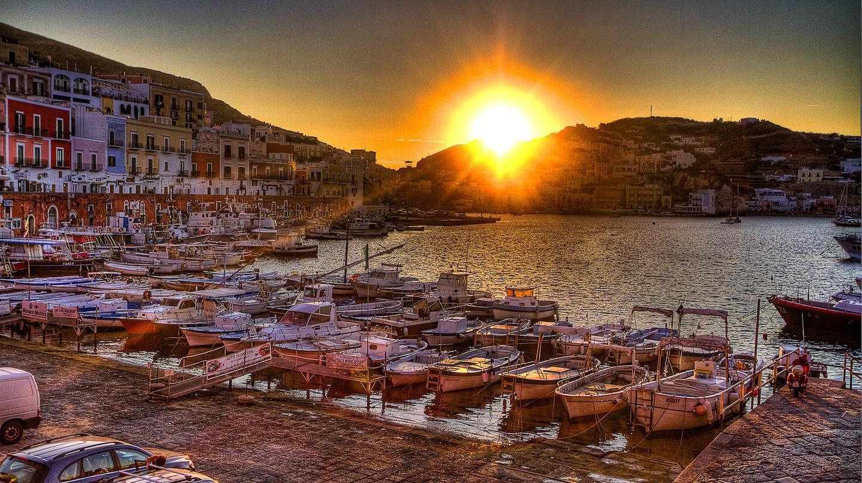Ponza porto controsole©Agostino Zamboni:flickr
