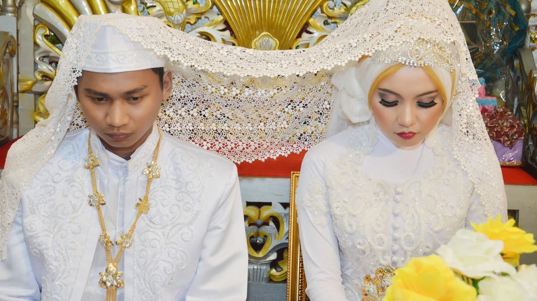 Indonesian marriage | © antoni halim/Shutterstock