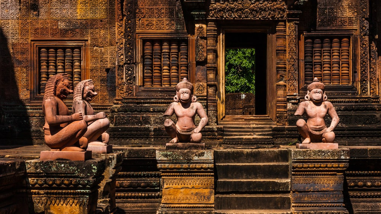 Banteay Srei   © Anton Ermachkov/ Shutterstock.com