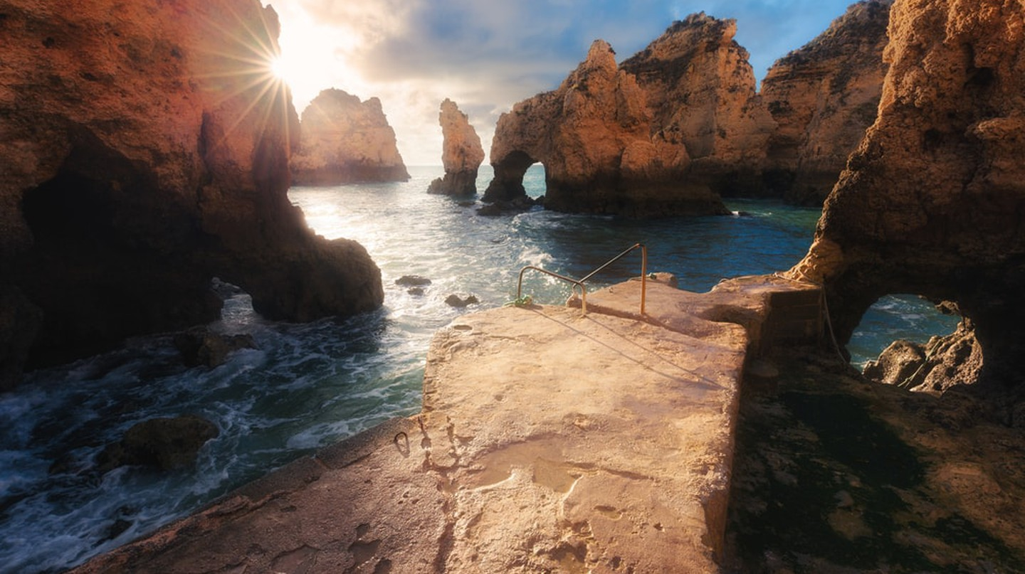 Sunrise in the Algarve, Portugal | © Nickolay Khoroshkov/Shutterstock