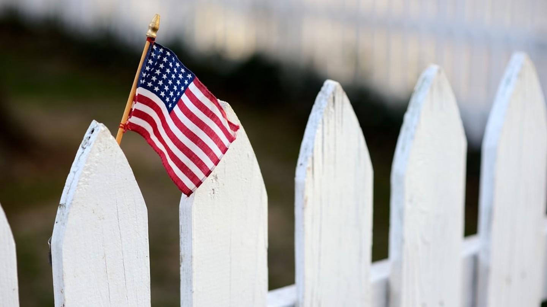 White picket fence | © Tony Tueni/Shutterstock