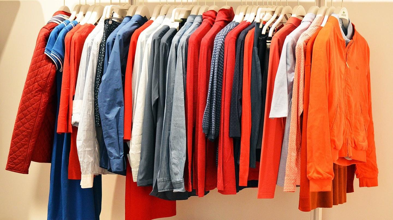 Clothes rack |©    quinntheislander/Pixabay