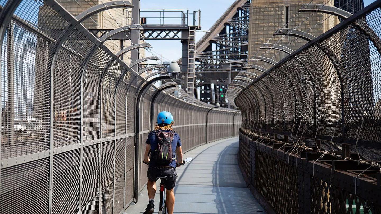 Sydney Harbour Bridge cyclist | © Robert Krön/Wikimedia Commons