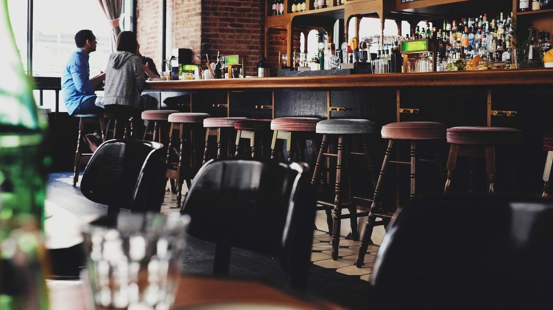 Pub Scene | © luca bravo / Flickr