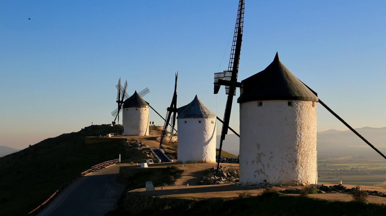 Windmills in Castilla La Mancha | © vivanlj / Pixabay