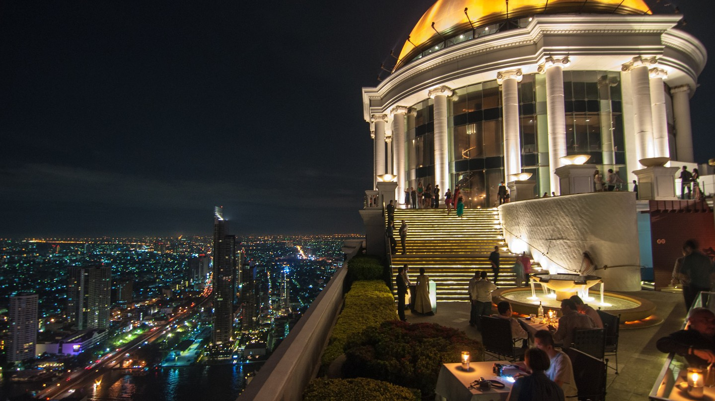 Bangkok's famous Sky Bar | © chee.hong/Flickr