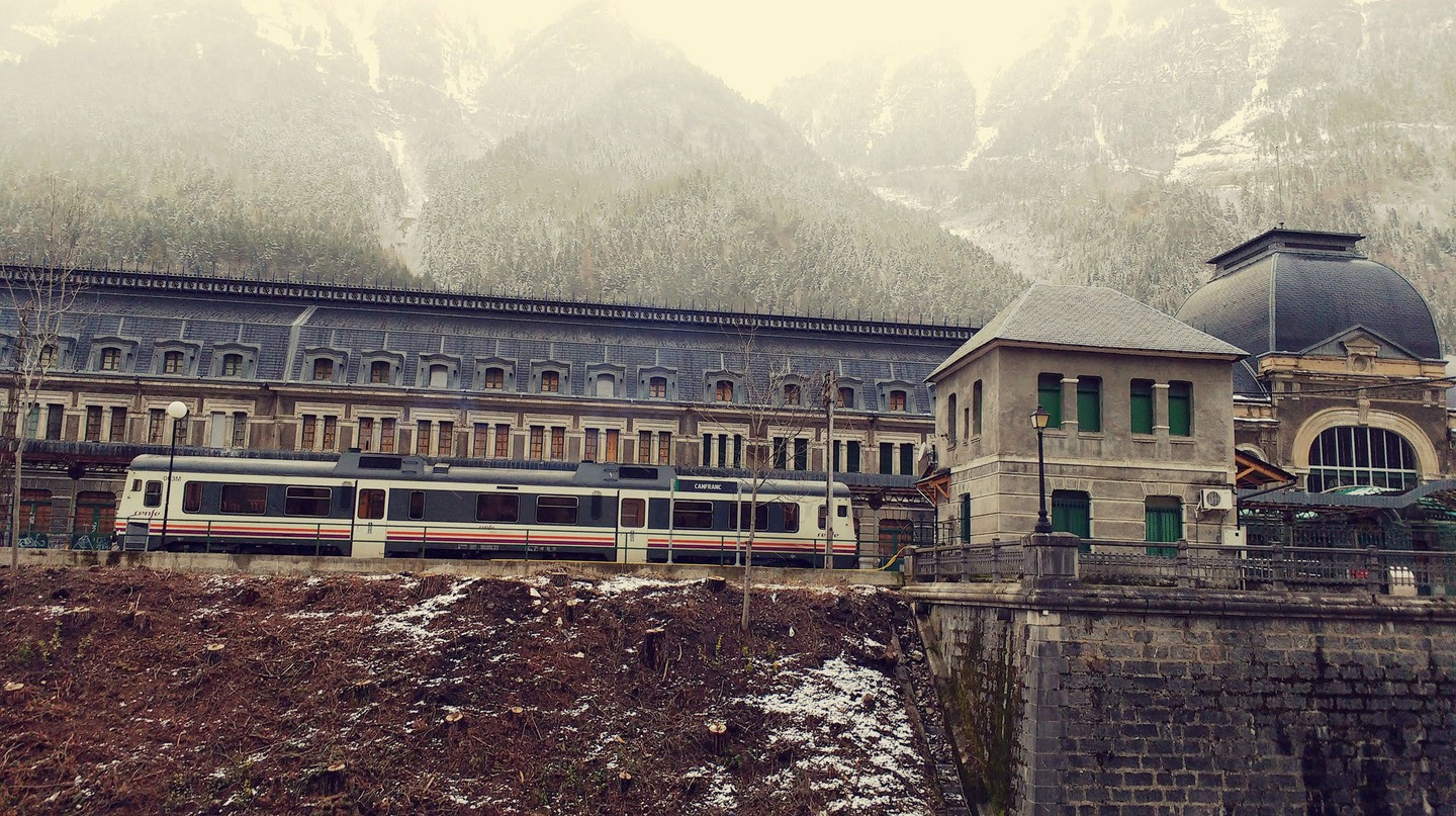 Canfranc train station|©Antonio Campoy/Flickr