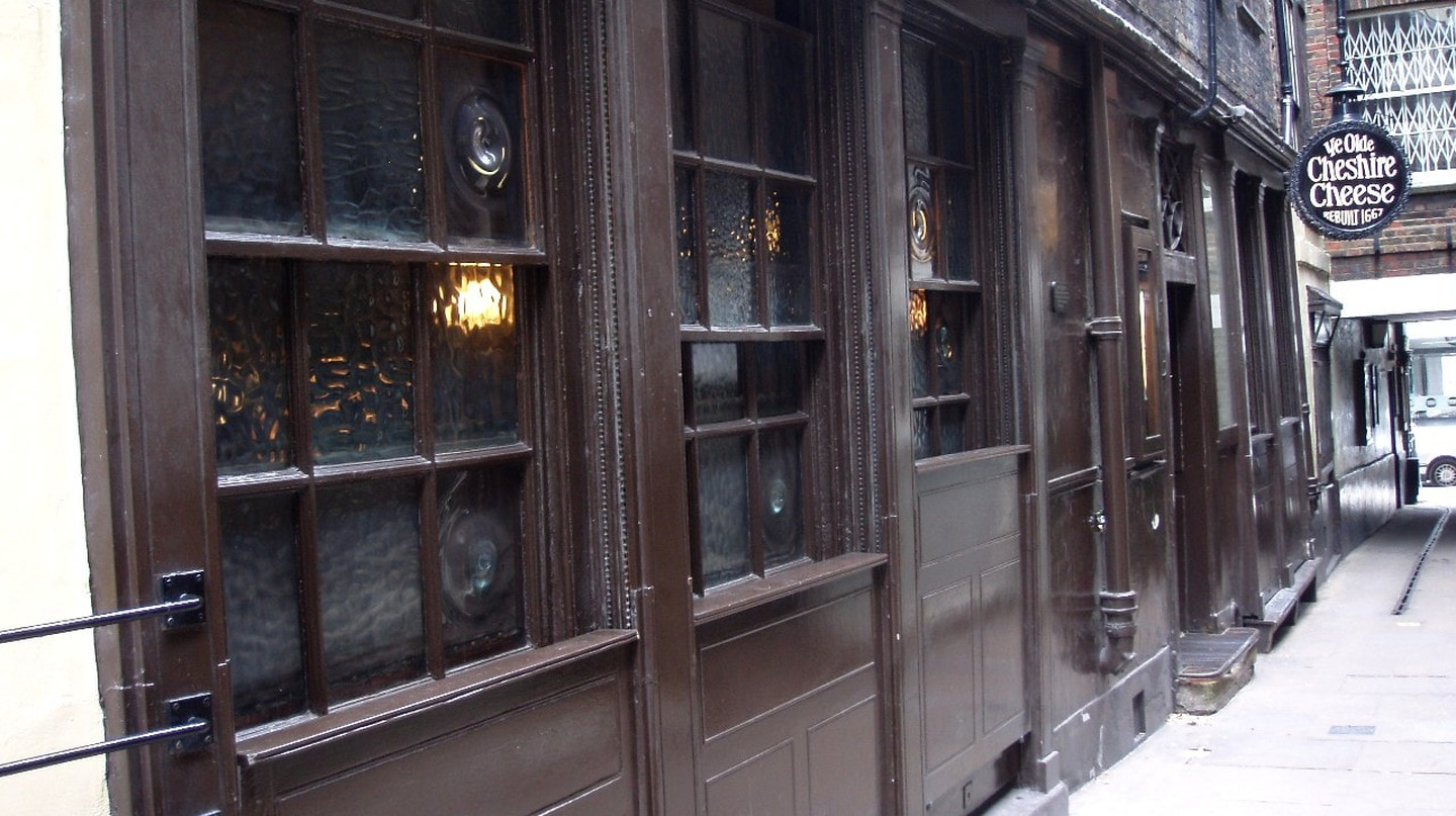 Ye Olde Cheshire Cheese | © Ewan Munro/Flickr