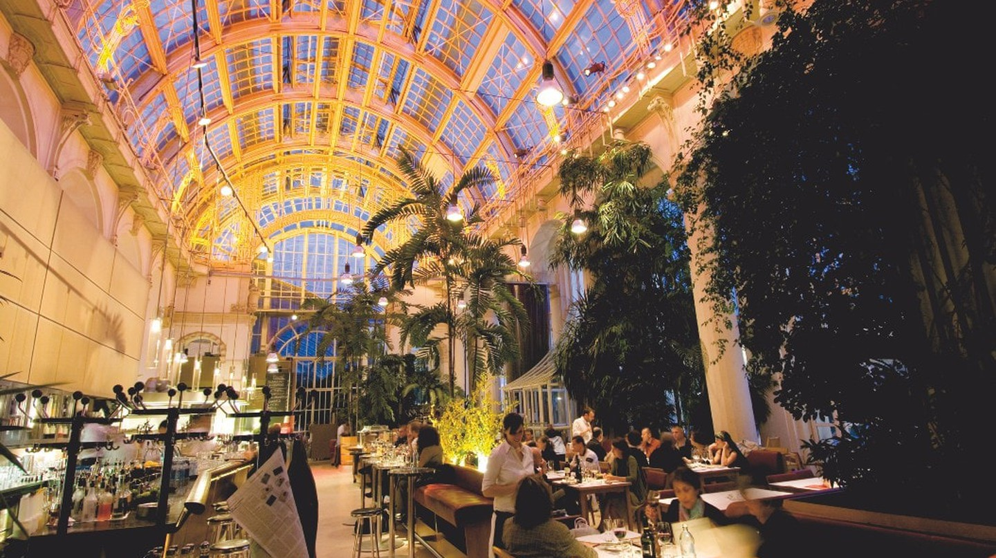 Inside the Burggarten palm house | © Austrian Tourist Board