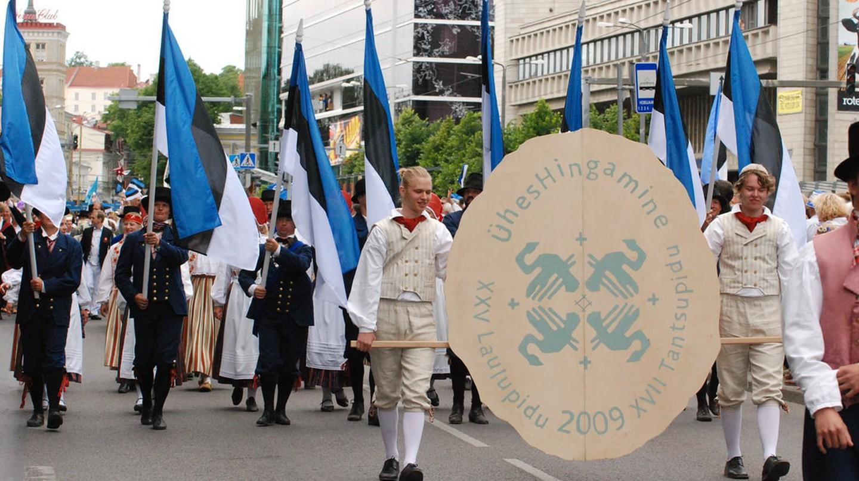 Song and Dance Festival Festive Parade in Tallinn | © ToBreatheAsOne/Flickr