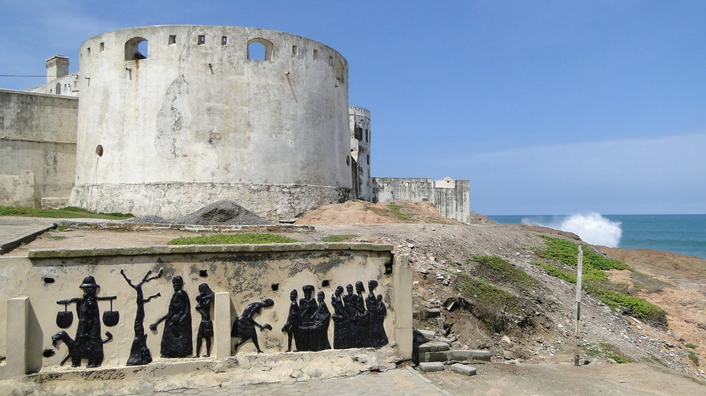 Outside view of Cape Coast Castle | © Adam Jones/ Flickr