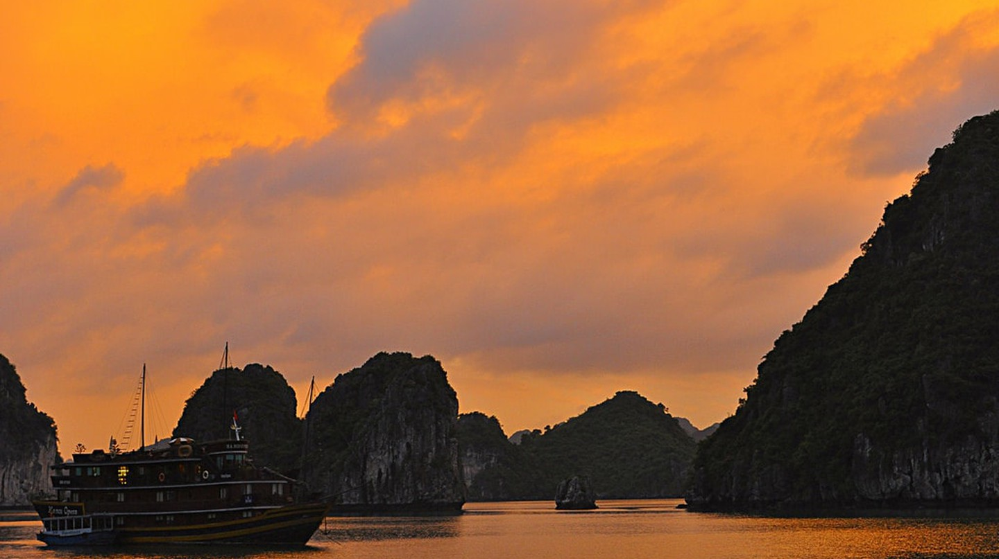 Ha Long Bay, Vietnam | © Davidlohr Bueso/Flickr