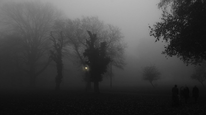 A dark and foggy Peckham Rye | © Tom Chance/Flickr