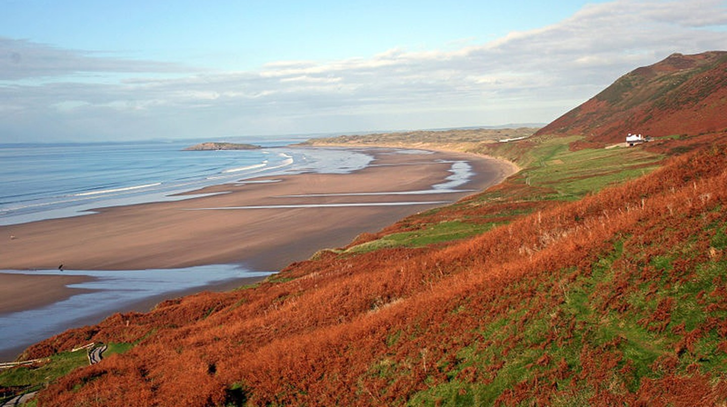 Rhossili in Autumn © Kevin Walsh/ WikiCommons