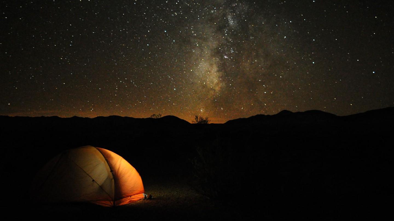 Camping in Death Valley | © Paxson Woelber/Flickr