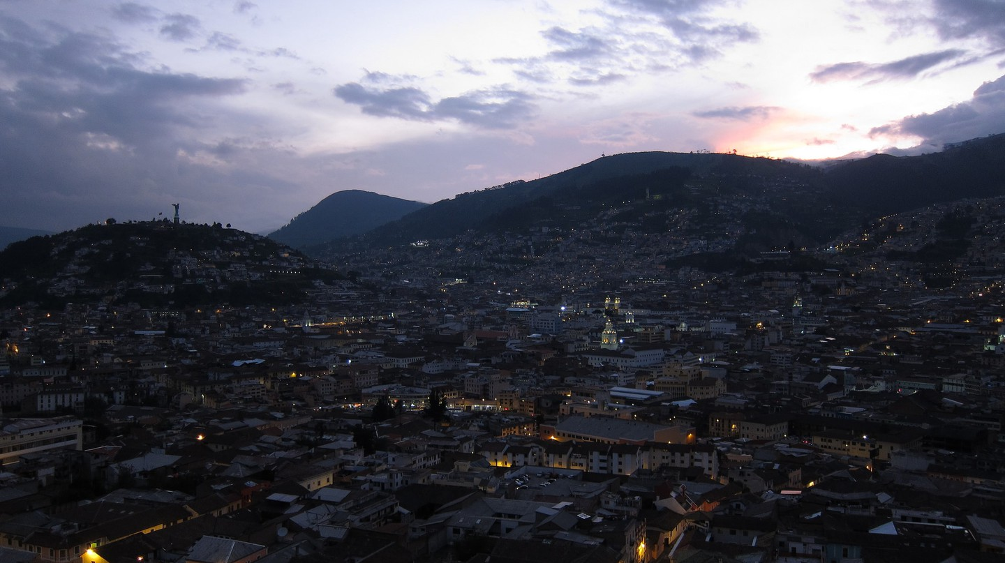 Sunset overlooking Quito |   © Hans Johnson / Flickr