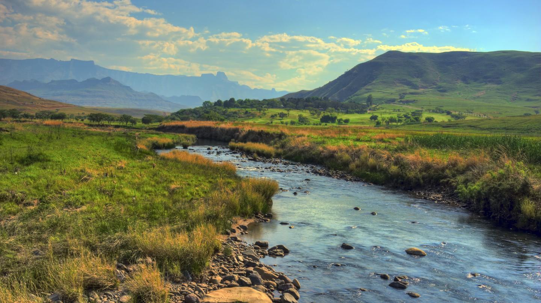 The Drakensberg mountains around Sani Pass   © Steve Slater /Flickr