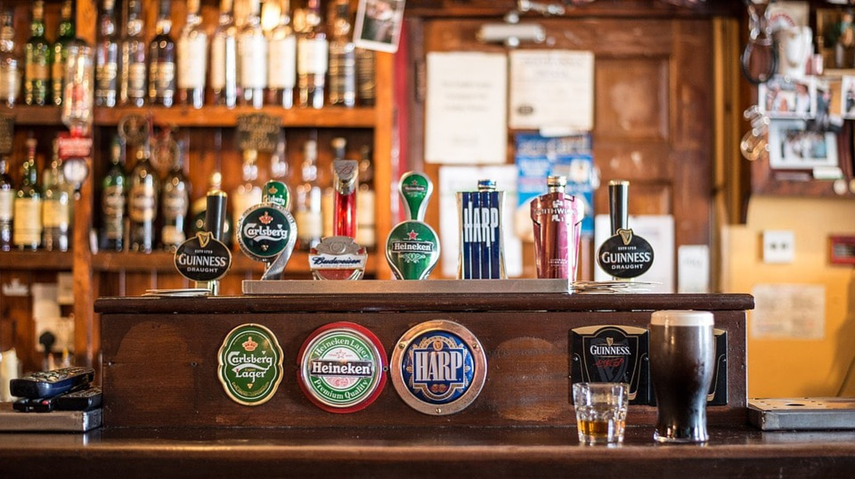 Beer selection at a bar   © Christian_Birkholz/Pixabay