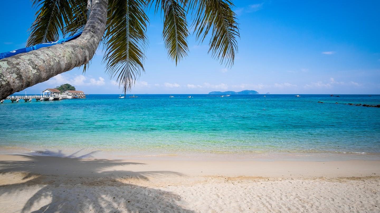 Beach of Tioman Island © David Russo/Flickr