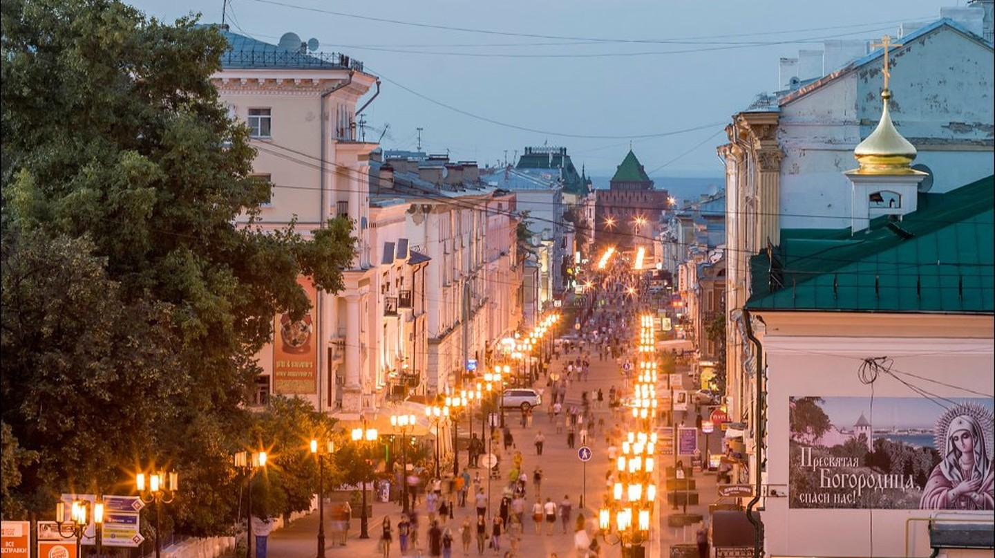 Bolshaya Pokrovskaya at night, a perfect film set | © Yuri Lebedev / WikiCommons