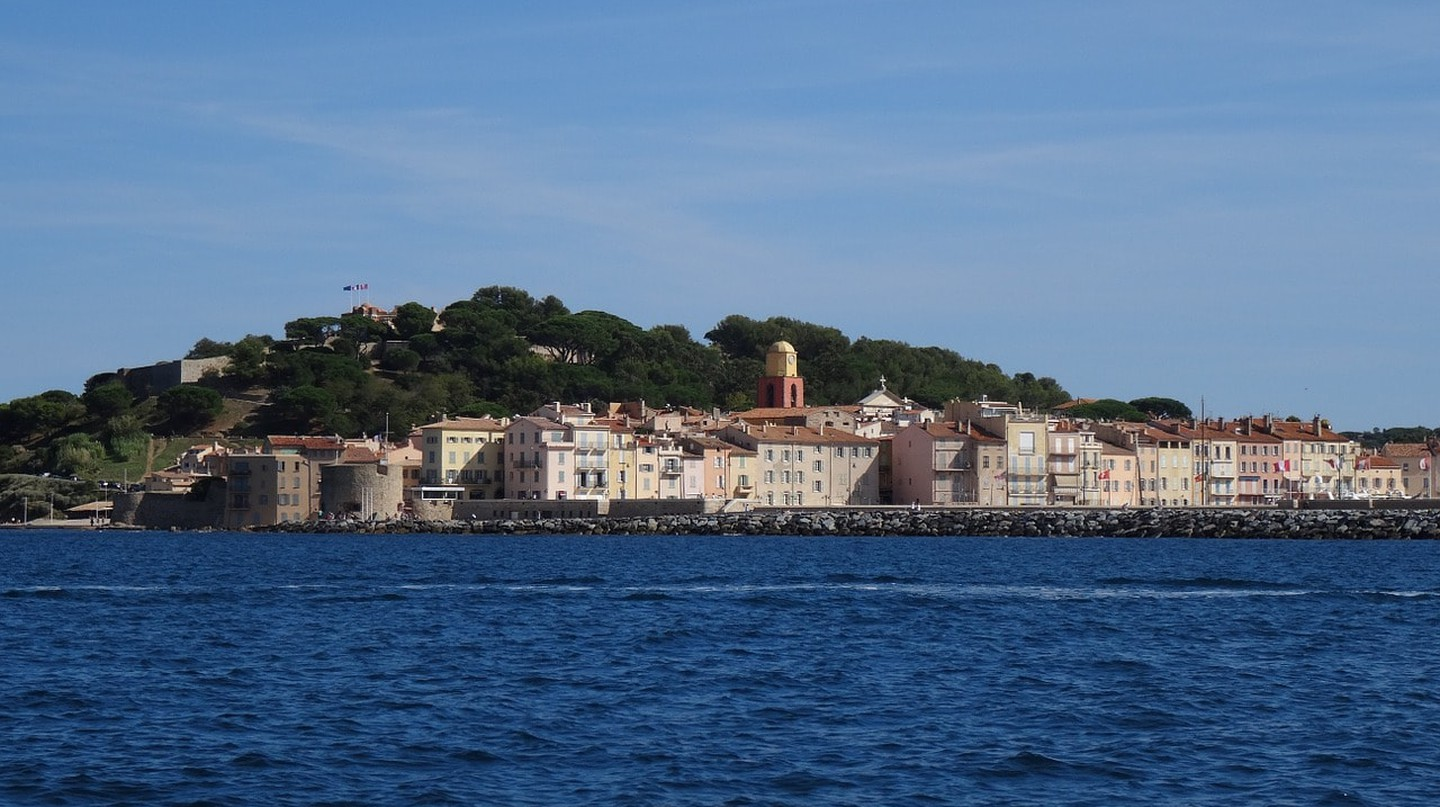 St Tropez as seen from a boat | © MissEJB/Pixabay