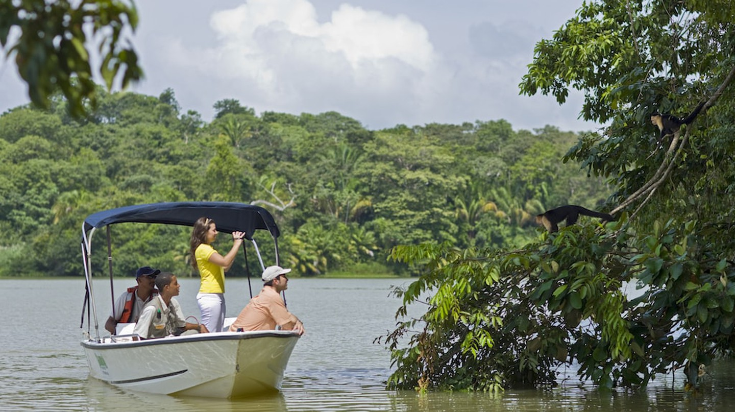 Boat ride on the Gatun Lake,  Panama | © Courtesy of Gamboa Rainforest Resort