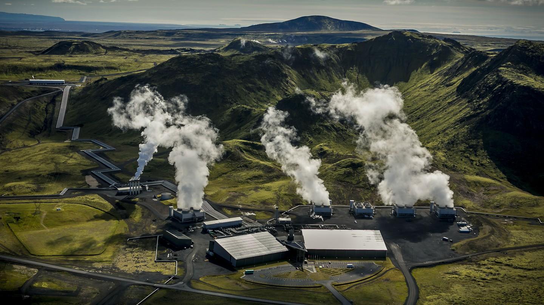 Hellisheidi Power Plant in Iceland | Photo by Arni Saeberg