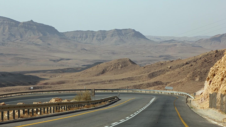 Highway 40, Negev Desert, Israel | Eduard Marmet / Flickr