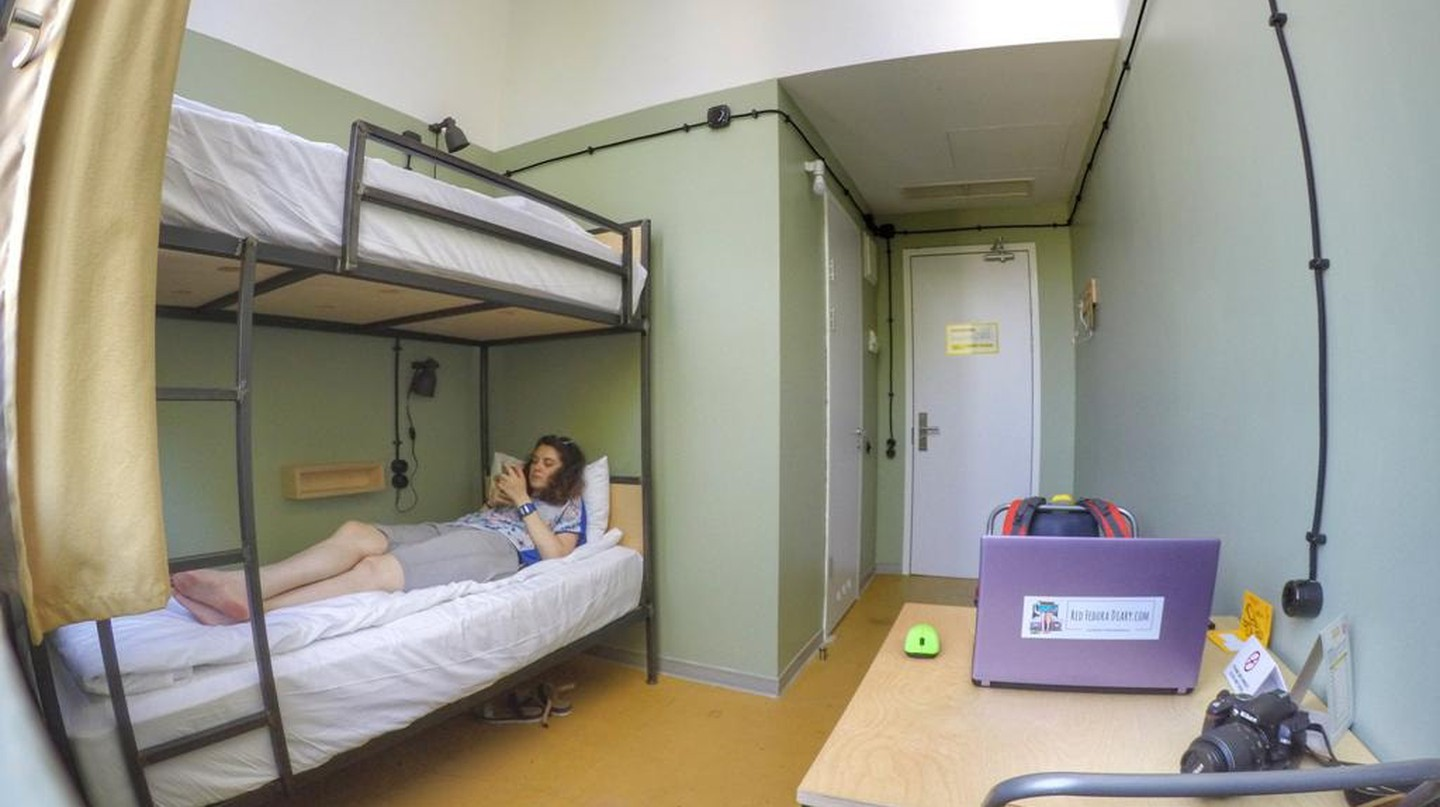 Bunk bed private at Fabrika Hostel & Suites |© Baia Dzagnidze