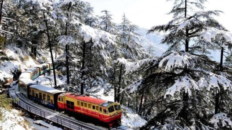 Kalka Shimla Toy Train in Winter   © Jannat-e-Shimla / Facebook
